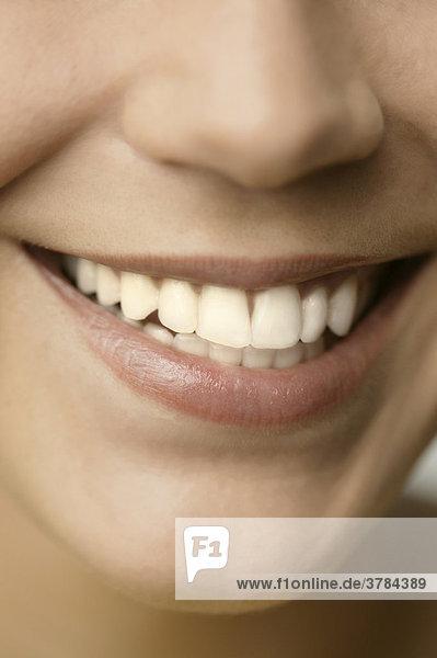 Großaufnahme lächelnder Mund mund