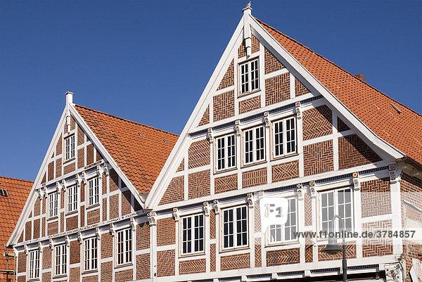 Giebel eines alten Fachwerkhauses im Alten Land bei Hamburg  Niedersachsen  Deutschland