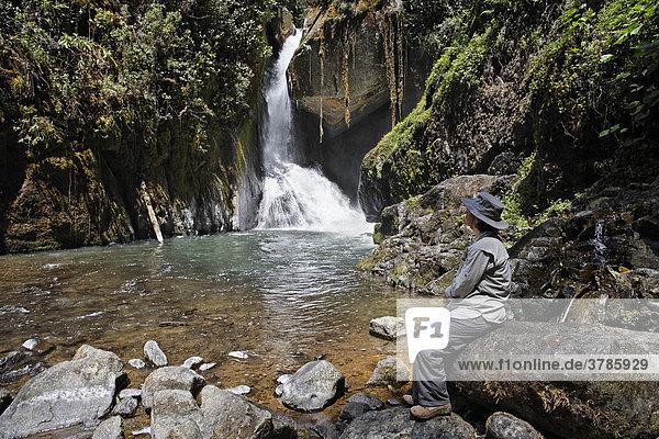 Rio Savegre  Wasserfall  Nationalpark Los Quetzales  Costa Rica