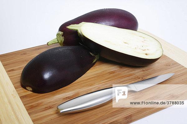 Auberginen  geschnitten  halbiert