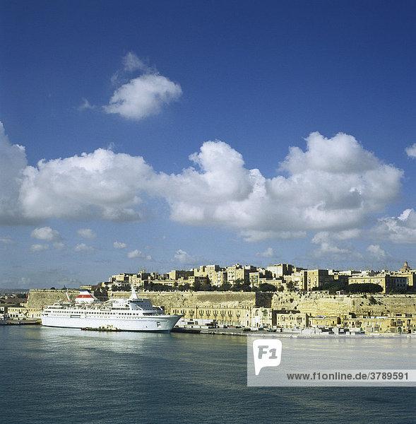 Malta Valletta Russian cruise ship in front of Floriana