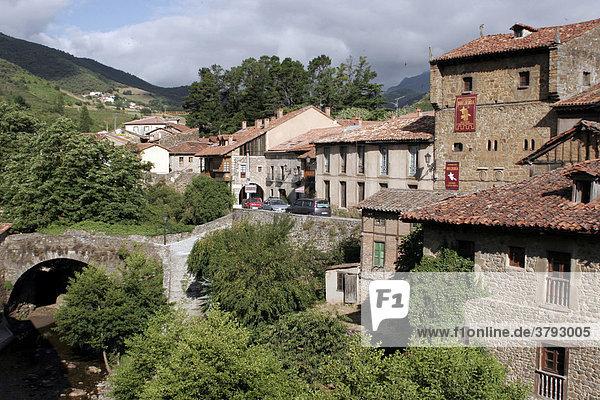 Romantisches Dorf Potes Spanien