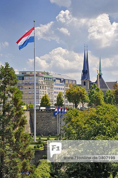 Luxembourg City von der Avenue Emile Reuter gesehen.