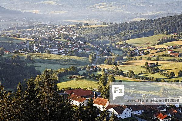 Altnußberg und Geiersthal   Blick von Burgturm   Bayerischer Wald   Niederayern Deutschland