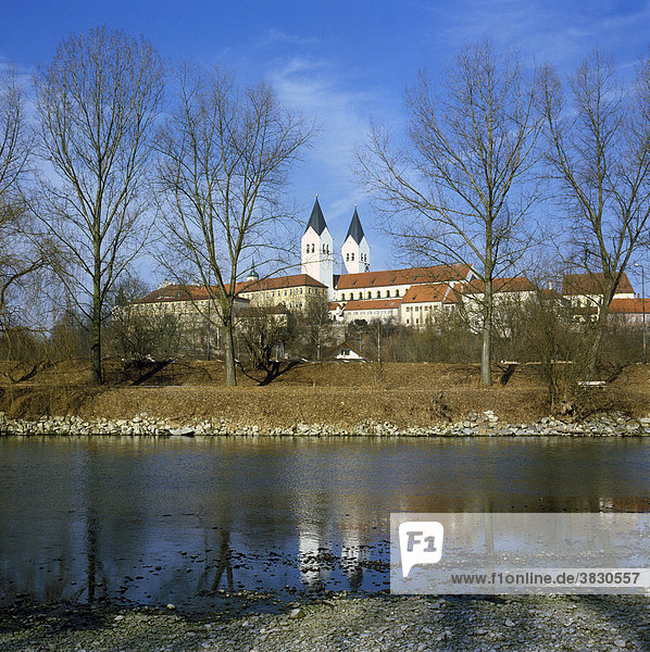 Freising Oberbayern Deutschland Domberg cathedral St. Maria and St. Korbinian above the river Isar