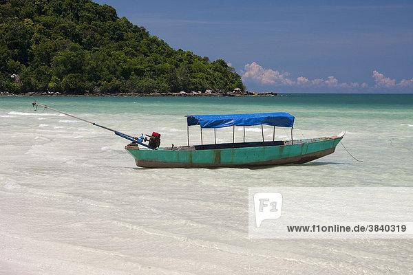 Boot am Strand auf der Insel Phu Quoc  Vietnam  Asien