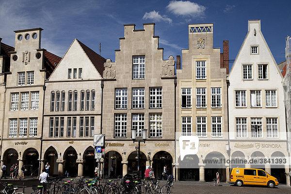 Gabled houses in Prinzipalmarkt street  Muenster  Muensterland  North Rhine-Westfalia  Germany  Europa