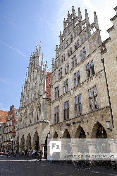 Town hall  Friedenssaal  Peace Hall  Stadtweinhaus restaurant  Prinzipalmarkt street  Muenster  Muensterland  North Rhine-Westfalia  Germany  Europa