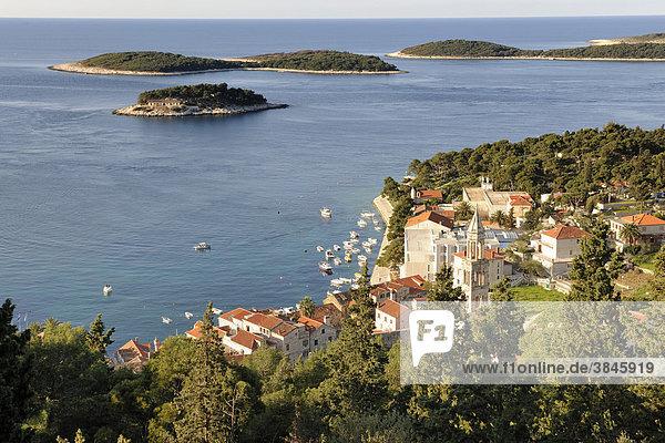 Blick auf den Ort Hvar von der Festung Spanjola aus,  Insel Hvar,  Kroatien,  Europa