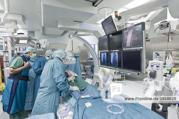 Herzoperation im Hybrid-Operationssaal  Deutsches Herzzentrum Berlin  Deutschland  Europa