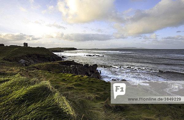 Küstenlinie entlang des Connemara Loop  County Galway  Republik Irland  Europa