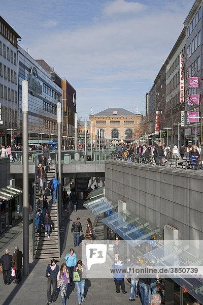 Läden in der Bahnhofstraße  Hannover  Niedersachsen  Deutschland  Europa