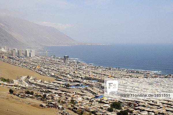 Häuser  Übersicht  Stadtansicht  Meer  Küste  Iquique  Norte Grande  Nordchile  Chile  Südamerika