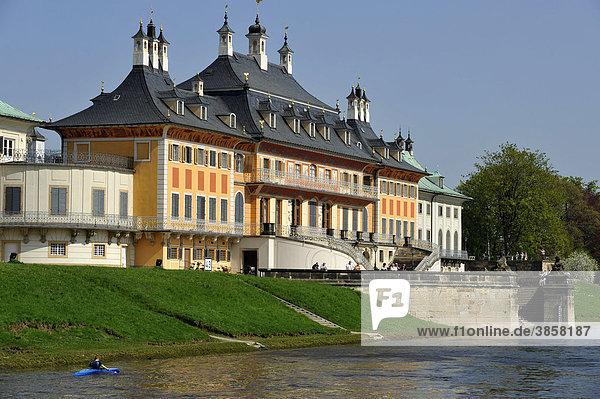 Schiffsanlegestelle  Wasserpalais  Schloss Pillnitz bei Dresden  Freistaat Sachsen  Deutschland  Europa