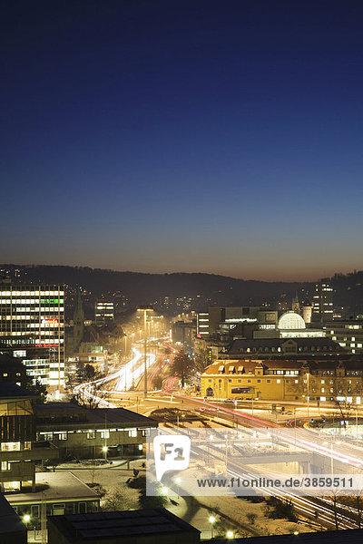 Charlottenplatz mit Rathaus und Landesbibliothek  Stuttgart  Baden-Württemberg  Deutschland  Europa