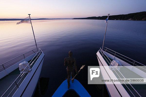 Ausflugsdampfer  Abendstimmung  Starnberger See  Bayern  Deutschland  Europa