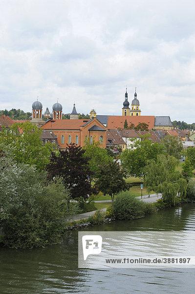Stadtansicht von Kitzingen am Main  Unterfranken  Bayern  Deutschland  Europa