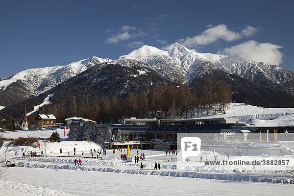 Olympiabad  Kongresszentrum  Langlaufloipe  Karwendelgebirge  Seefeld  Tirol  Österreich  Europa