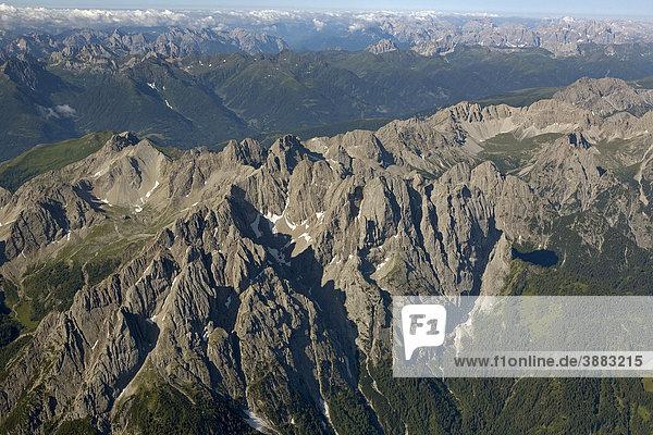 Lienzer Dolomiten  Luftaufnahme  Osttirol  Österreich  Europa