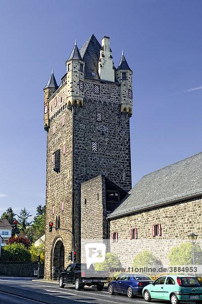 Stadtbefestigung mit Obertor  Mayen  Rheinland-Pfalz  Deutschland  Europa