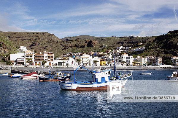 Fischerboote im Hafen von Playa de Santiago auf La Gomera  Kanarische Inseln  Spanien  Europa