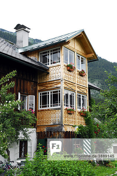 Traditionelles Haus im Fischerndorf Viertel  Altaussee  Bad Aussee  Ausseerland  Totes Gebirge  Salzkammergut  Steiermark Alpen  Österreich  Europa