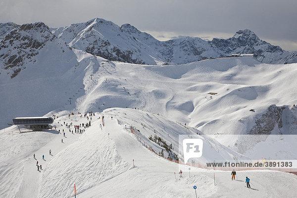 Skigebiet am Fellhorn  Winter  Schnee  Oberstdorf  Allgäuer Alpen  Allgäu  Bayern  Deutschland  Europa