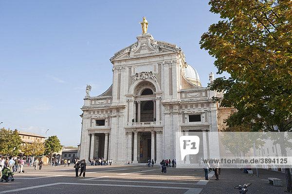 Santa Maria degli Angeli Kirche  bei Assisi  Umbrien  Italien  Europa