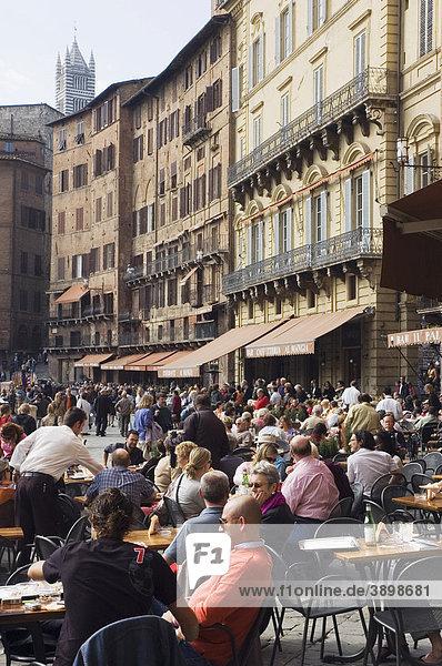 Straßencafe  Restaurant  Piazza del Campo  Siena  Toskana  Italien  Europa