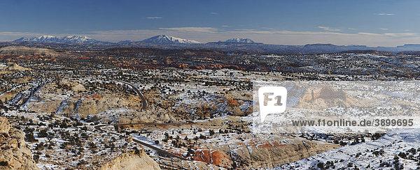 Highway 12 Blick auf die Henry Mountains vom Larb Hollow Overlook  Escalante  Utah  USA