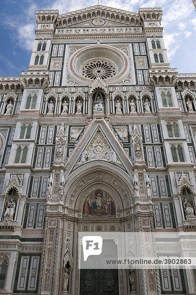 Eingangsportal am Dom Santa Maria del Fiore  UNESCO-Weltkulturerbe  Florenz  Toskana  Italien  Europa