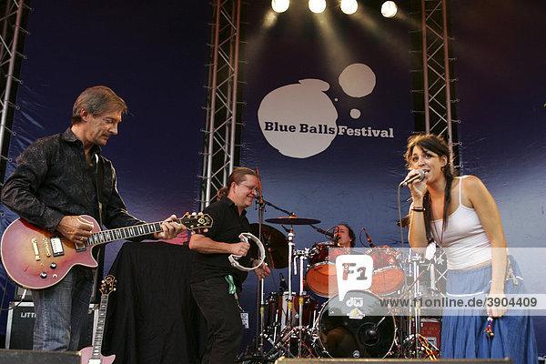 Die Schweizer Band Dust live beim Blue Balls Festival Pavillon am See in Luzern  Schweiz