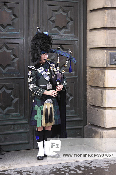 Piper  Edinburgh  Scotland  United Kingdom  Europe