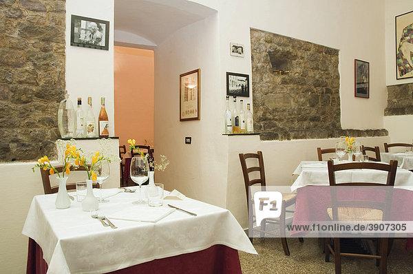 Gedeckter Tisch im Restaurant  Osteria dei Cavalieri  Pisa  Toskana  Italien  Europa