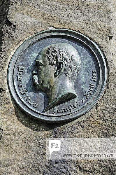 Fürst Otto von Bismarck,  Gedenktafel,  Hermannsdenkmal,  Hiddesen,  Detmold,  Teutoburger Wald,  Nordrhein-Westfalen,  Deutschland,  Europa
