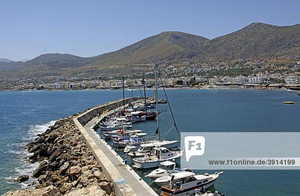 Hafen  Chersonissos  LimÌn ChersÛnisou  Kreta  Griechenland  Europa