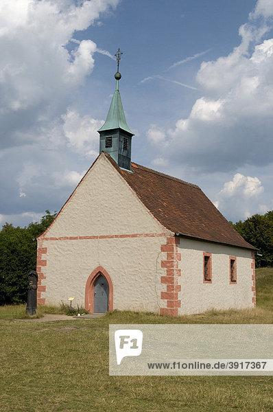Walpurgiskapelle auf dem Hochplateau Walberla  Kirchehrenbach  Fränkische Schweiz  Franken  Bayern  Deutschland  Europa