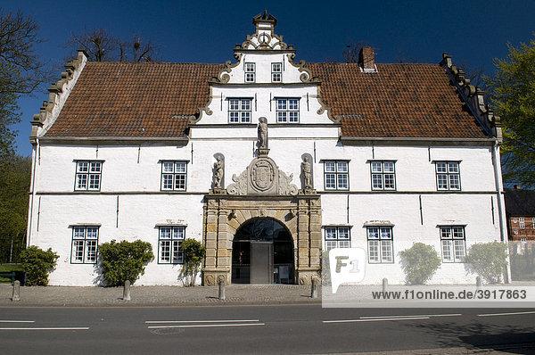 Torhaus am Schlosspark  Husum  Nordfriesland  Schleswig-Holstein  Deutschland  Europa