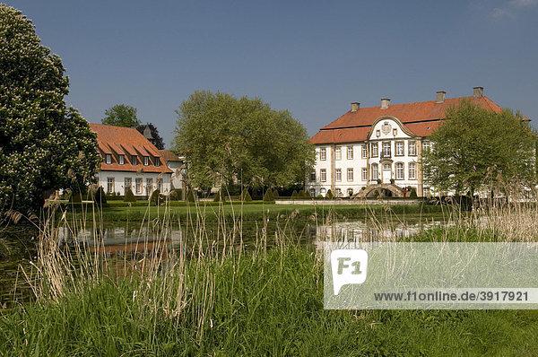 Schloss von Ketteler in der Schlossanlage Harkorten  Füchtorf  Sassenberg  Münsterland  Nordrhein-Westfalen  Deutschland  Europa
