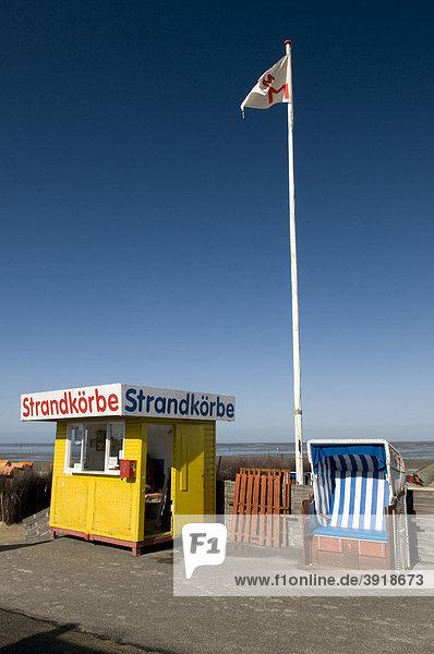 Strandkorbvermietung an der Strandpromenade  Nordseeheilbad Cuxhaven Döse  Niedersachsen  Deutschland  Europa