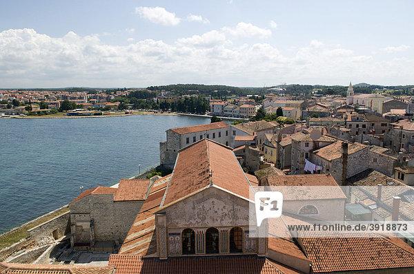Ausblick von der Euphrasius-Basilika  UNESCO Weltkulturerbe  Porec  Istrien  Kroatien  Europa