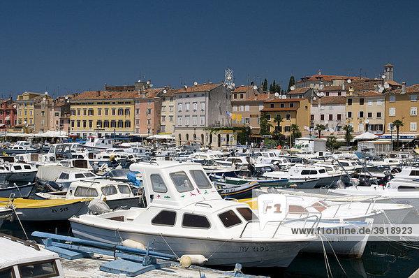 Hafen und Altstadt  Rovinj  Istrien  Kroatien  Europa