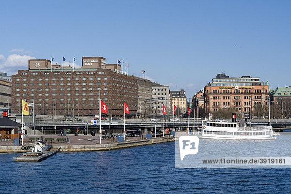 Norrmalm am Riddarfjärden Schiffsanleger und Sheraton Hotel  Stockholm  Schweden  Skandinavien  Europa