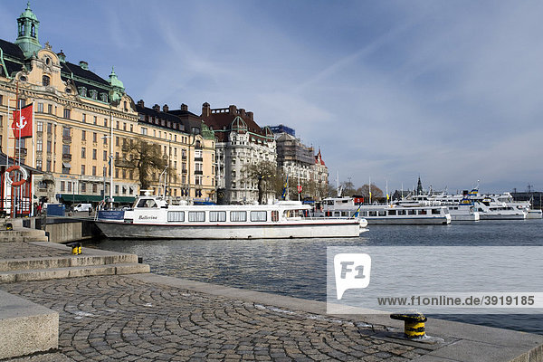 Schiffsanlegestelle Nybroviken  Stockholm  Schweden  Skandinavien  Europa
