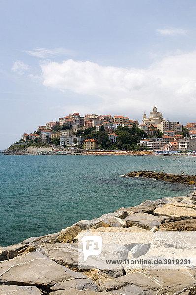 Altstadthügel von Porto Maurizio  Imperia  Riviera  Ligurien  Italien  Europa