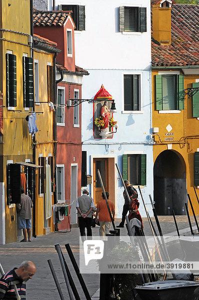 Farbige Häuserfront  Burano  Venedig  Venetien  Italien  Europa