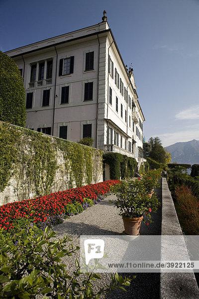 Vornehmer Palast mit Terrassen und Garten  botanischer Garten der Villa Carlotta  Tremezzo  Comer See  Italien  Europa