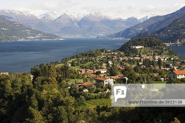 Comer See  Bellagio und alpine Landschaft  Lombardei  Italien  Europa