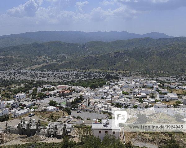 Blick von der Johanniterburg auf Asklipio  Rhodos  Griechenland  Europa