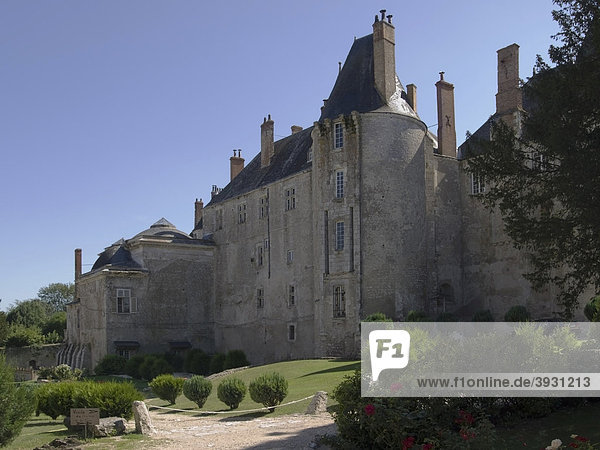 Schloss an der Loire  Ch'teau von Meung-sur-Loire  Departement Loiret  in der Region Centre  Frankreich  Europa